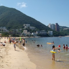 Waterplay-at-Repulse Bay